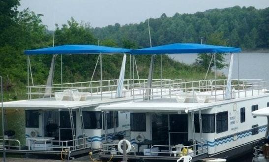 2005 15' X 58' Rental Houseboat