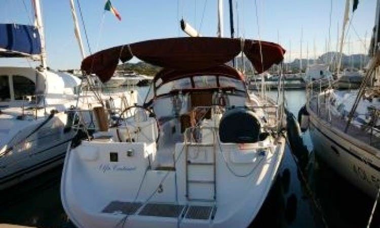 Charter a 47' Beneteau Oceanis Clipper Sailboat in Pisa, Italy for 10 person