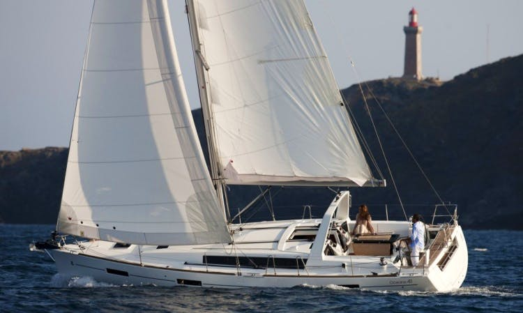 "Explore San Francisco Bay On Beneteau 41 ""Attitude Adjustment"" Sailboat"