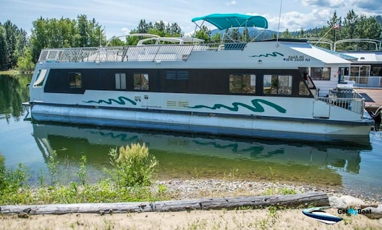 Supercruiser Houseboat With Hot Tub At Lake Roosevelt
