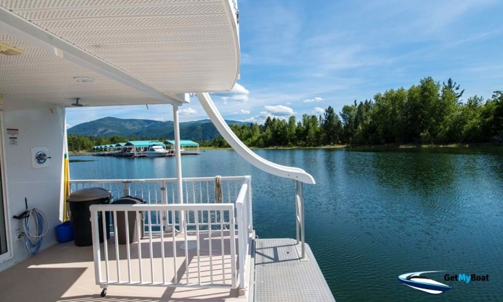 Elite Houseboat on Lake Roosevelt-3