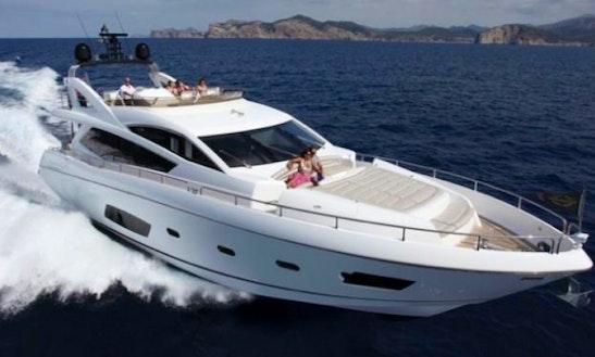Charter Luxury 72' Sunseeker Manhattan Yacht In Miami