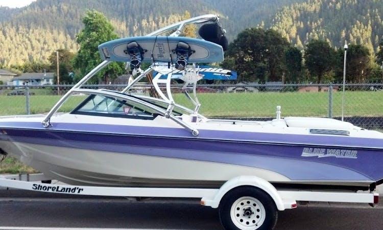 Rent 20' Blue Water Ski and Wakeboard Boat in Oakridge