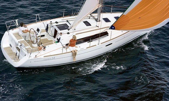 Charter Beneteau Oceanis 34 Sailboat In Italy