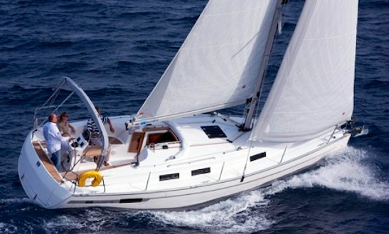 Charter Bavaria 32 Cruiser Sailboat In Italy