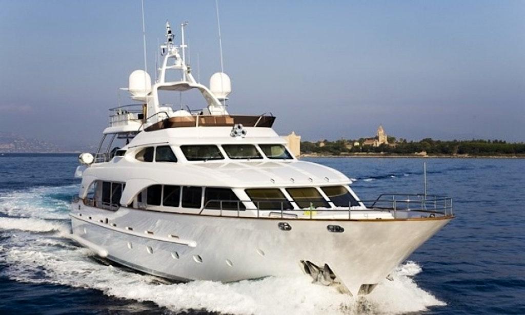 Charter Salu Luxury Motor Yacht in France