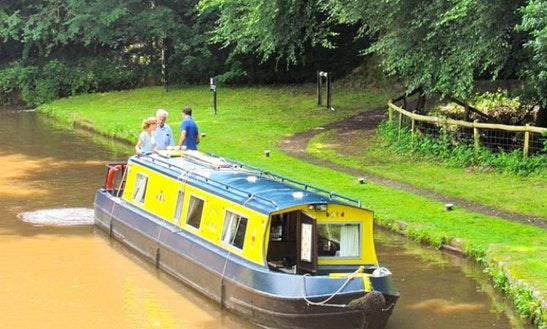Narrowboat Hire Gilwern Princess In Gilwern