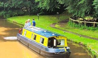 Narrowboat Hire Gilwern Princess in Gilwern