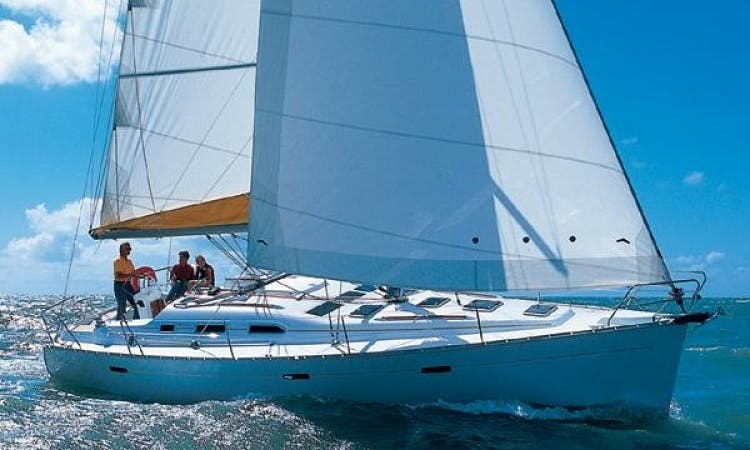 Charter Oceanis 393 Sailing Yacht in Italy