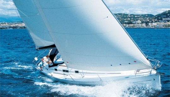 Charter Oceanis 37 Sailing Yacht In Italy