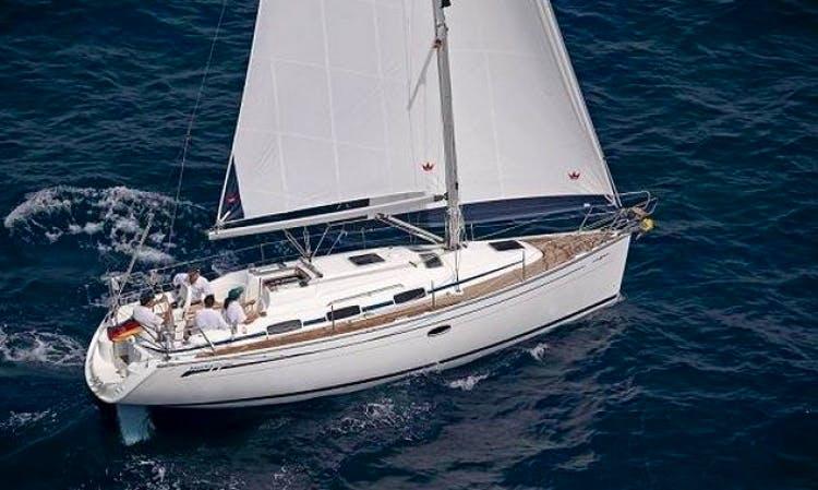 33' Bavaria Cruiser Sailing Charter in Sweden for 6 People
