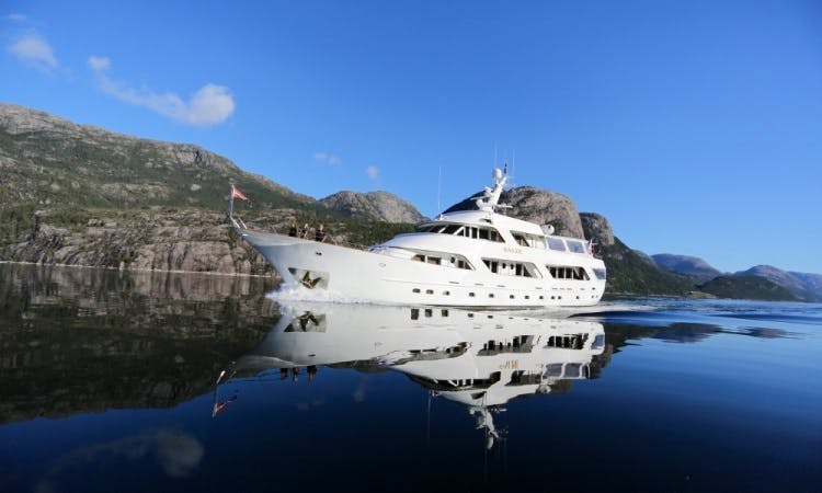 Charter Classic Benetti 35 M Motor Yacht in Norway