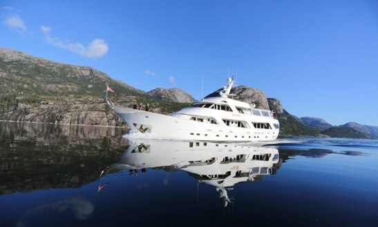 Charter Classic Benetti 35 M Motor Yacht In Norway