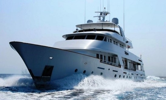 Charter Luxury Yacht