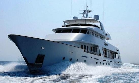 Charter Luxury Yacht