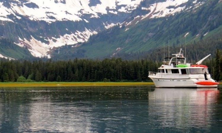 72ft Hatteras Luxury Motoryacht Charter in Petersburg, Alaska