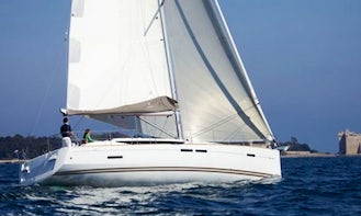 Charter a Sailboat in Greece