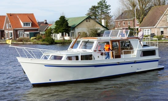 Charter Palan Dl 1100 In Woubrugge