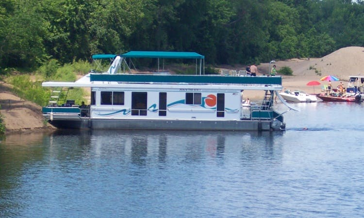18' x 58' Houseboat Rental for Up to 12 Guests