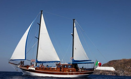 Charter Caicco Gelidonya I In Italy