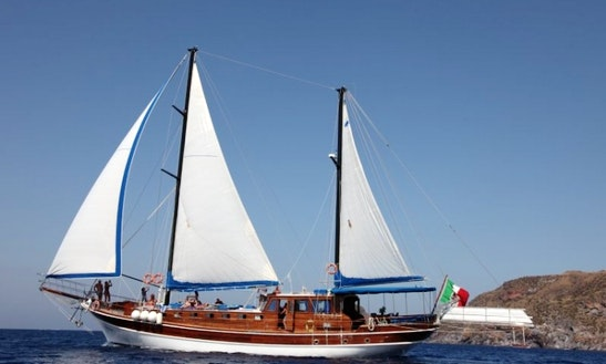 Charter Caicco Gelidonya I In Italy