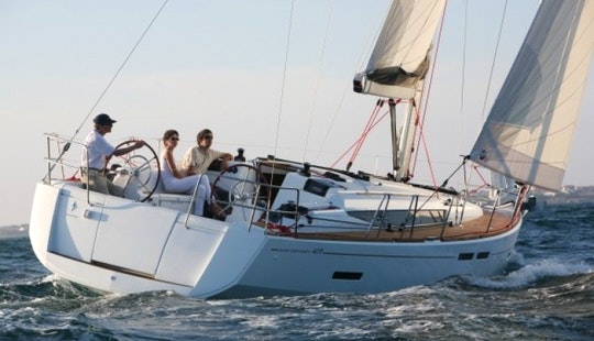 Charter A Jeanneau So 409 Cruising Monohull For 8 People In Hjellestad, Norway
