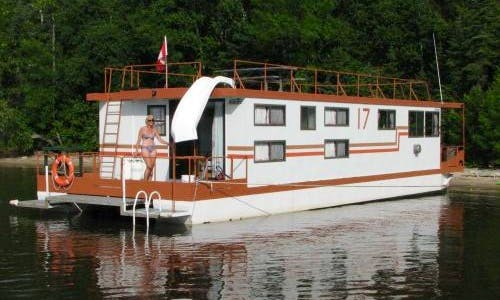 Charter a 54' Houseboat Rental for 10 person