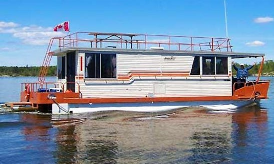 Enjoy A Wonderful Houseboat Trip Rental In Ontario, Canada