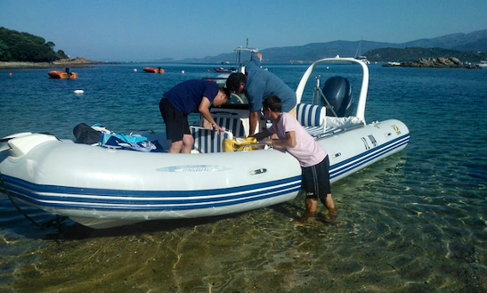 Hire Zodiac 150 Hp Rib Center Console In France