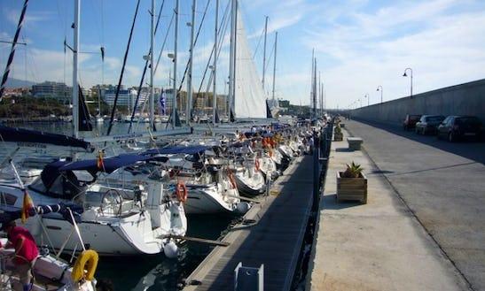 Oceanis 323 - 2 Cabins Boat Rental - Canary Islands, Spain
