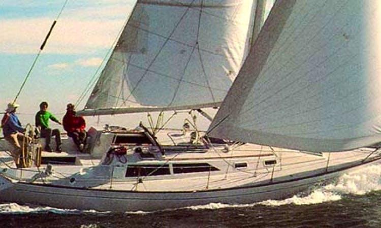 39' Cruising Monohull Rental in Boston, Massachusetts
