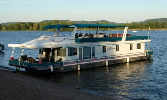 Charter 79' Trump Houseboat In Trempealeau, Wisconsin
