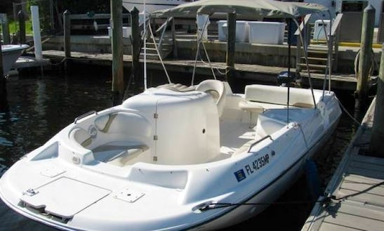 Rent 21' Glastron Deck Boat In Miami, Florida