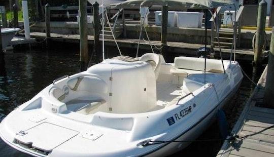 Rent 21' Glastron Deck Boat In Miami, Florida