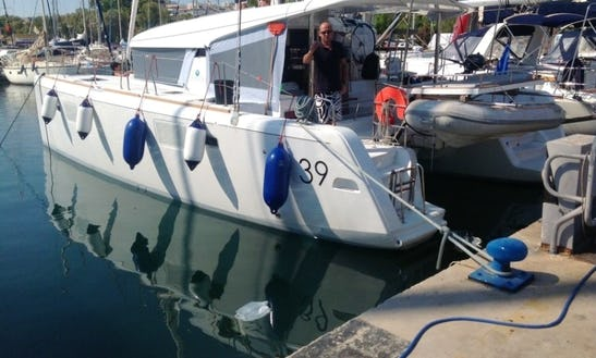 39' Catamaran Charter Lagoon Athens, Greece