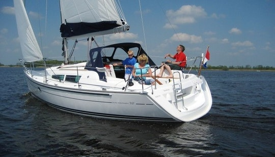 Charter Jeanneau Sun Odyssey 32i In Ko Tao