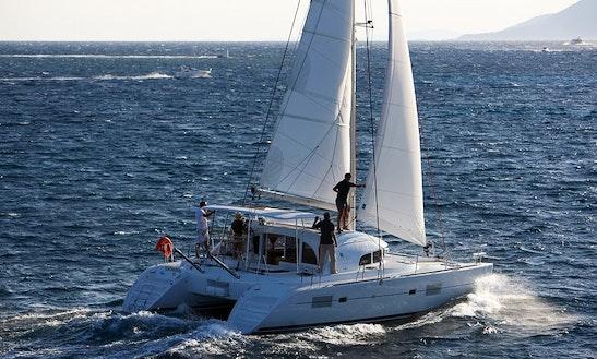 Cruising Catamaran Rental In Άλιμος