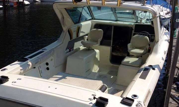 """25ft """"Salmon Patrol"""" Cuddy Cabin Boat Fishing Charter in Gilford, New Hampshire"""