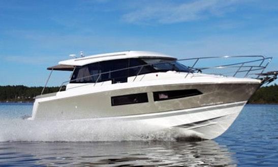 Motor Yacht Rental In Waren (müritz)