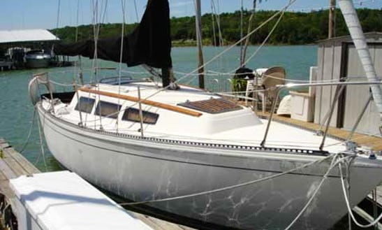 26' S2-8.0 Sailboat Rental In Lake Ozark