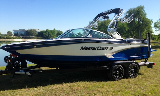 2014 Mastercraft X10 Gen2 Surf Lake Lewisville, Texas