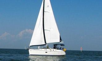 "Rent 36ft ""Moonlight Seranade"" Sailboat In Kemah, Texas"