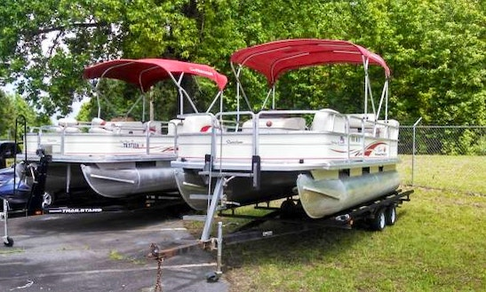 18' Pontoon Rental In Fair Play, South Carolina