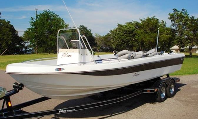 27' Bay Hawk Fishing Charter on Lake Texoma