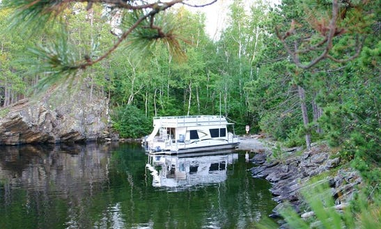 360 Suncruiser Deluxe Houseboat Rental In Crane Lake