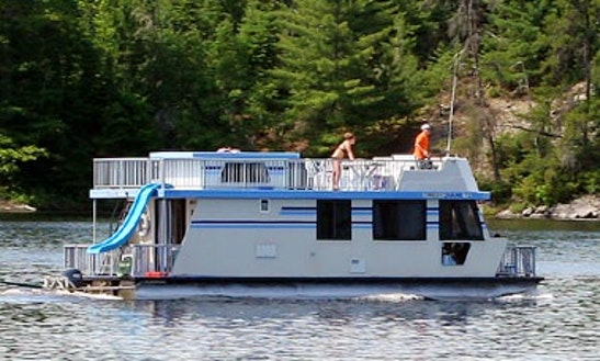 Charter A 44' Houseboat For 10 People In Crane Lake, Minnesota
