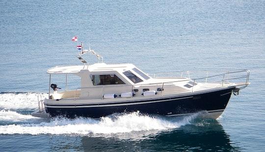 Charter A 2012 Adria 1002 V Motor Yacht In Zadar, Croatia