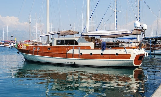 Charter A Deluxe Wooden Gulet For 8 Person In Fethiye, Mugla