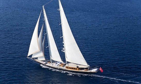 Sailing Mega Yacht In Mugla