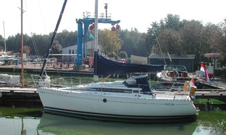Charter Beneteau First 285 Sailing Yatch in Zeeland and Friesland